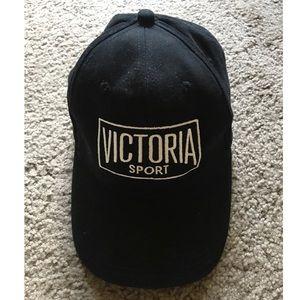 VS   baseball cap